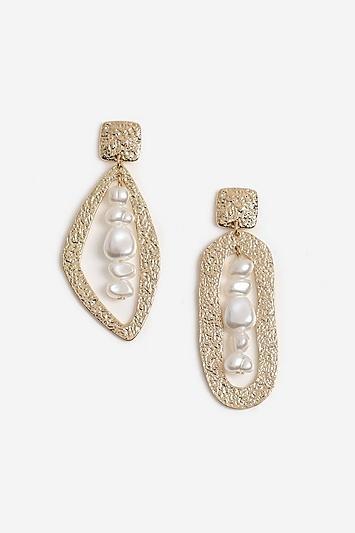 Topshop Asymmetric Textured Pearl Earrings