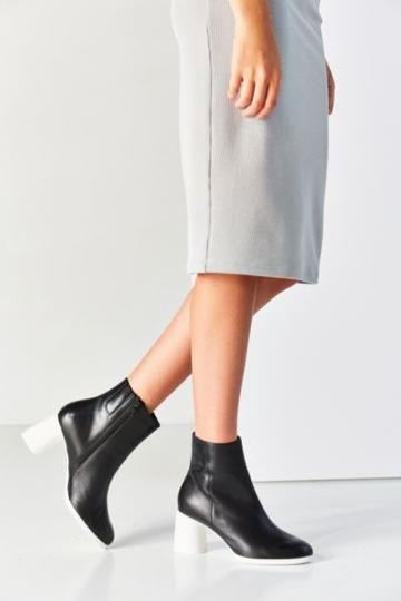 Camper Lea Ankle Boot