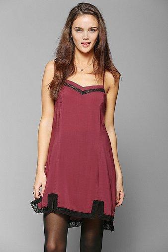 Knot Sisters Lace-trim Slip Dress