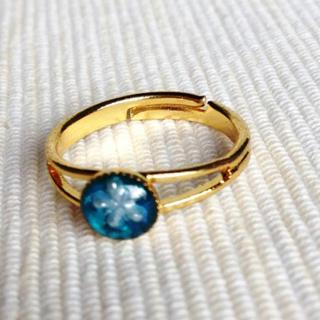 Resin Little Snowflake Ring (blue) One Size