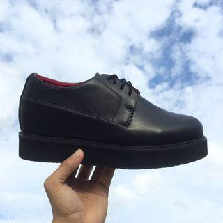 Stitched Oxfords In 2 Designs