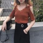 Lace Trim Short-sleeve Cold Shoulder Knit Top