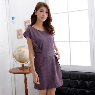 Short-sleeve Wool Dress With Sash