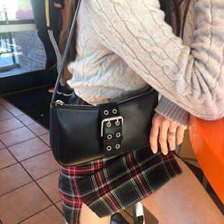 Faux Leather Zipped Shoulder Bag Black - One Size