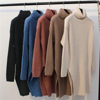 Slit-side Turtleneck Knit Top