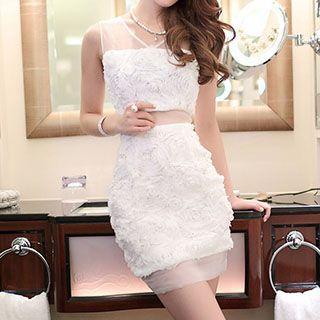 Rosette V-neck Sleeveless Dress