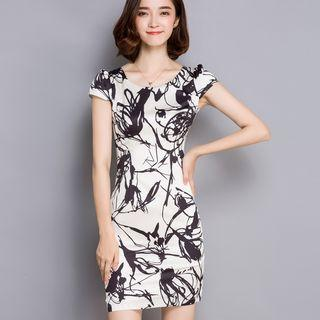 Short-sleeve Printed Sheath Dress