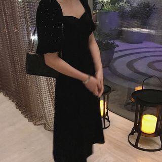 Sweetheart Neckline Short-sleeve Midi A-line Velvet Dress