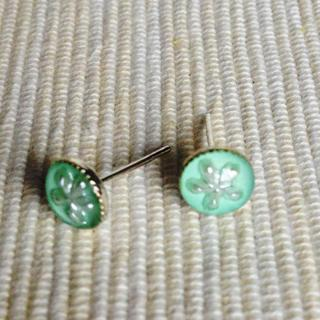 Resin Little Snowflake Earrings (mint) One Size
