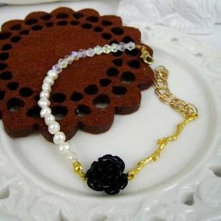 Vintage Rose And Pearl Bracelet (black) Gold - One Size