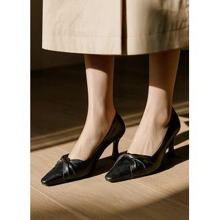 Plain / Printed Knotted Pumps