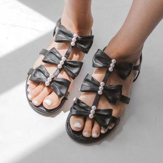 Bow-embellished T-strap Flat Sandals