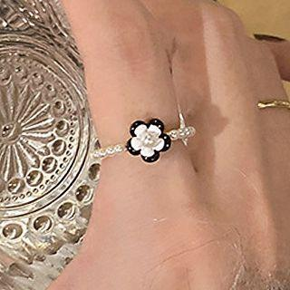Flower Faux Pearl Acrylic Alloy Ring Black & White - One Size