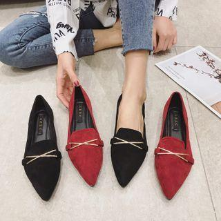 Pointy-toe Buckle Flat Loafers