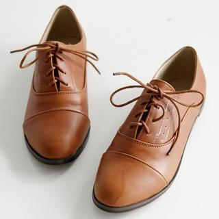 Lace-up Oxford Flats