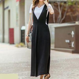 Sleeveless V-neck Slit-side Dress Black - One Size