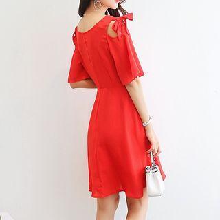 Cut Out Shoulder Elbow Sleeve A-line Dress