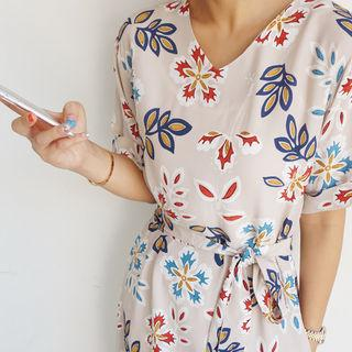 Floral Patterned V-neck Midi Dress With Sash