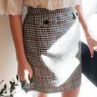 Button-trim Houndstooth Skirt
