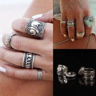 Set Of 4: Embossed Ring (assorted Designs) As Shown In Figure - One Size