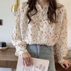 Floral Print Buttoned Blouse