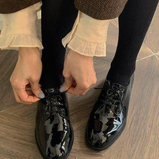 Oval-toe Faux-patent Oxfords