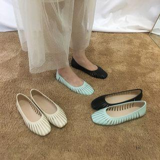 Square-toe Cut-out Flats
