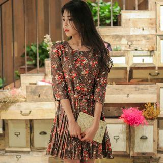 3/4-sleeve Floral Printed A-line Dress