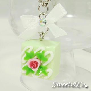 Sweet Green Rose Chocolate Ribbon Necklace