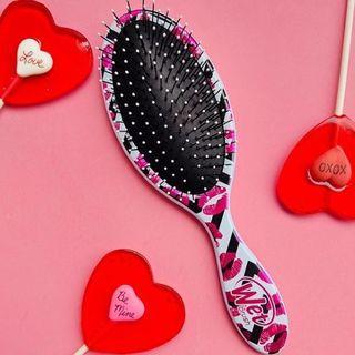 Wet Brush - Original Detangler Hair Brush - Kisses 1pc