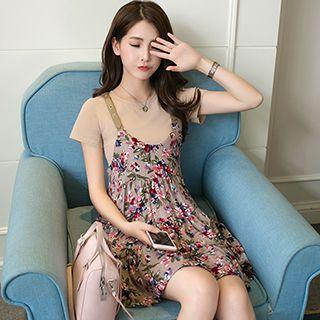 Set: Plain Short-sleeve T-shirt + Floral Print Strappy Dress