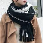 Contrast Stitching Fringed Scarf