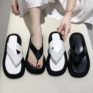 Paneled Flip-flops