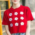 Short-sleeve Embroidered Flower Cropped T-shirt