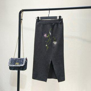 Embroidered Slit Knit Skirt