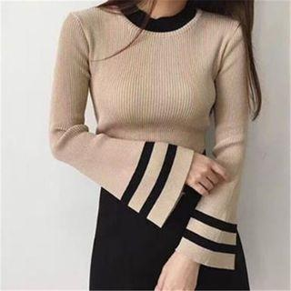 Flare Sleeve Knit Top