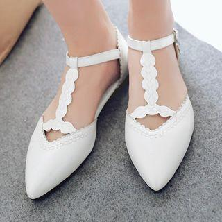 Strapped Pointy-toe Flats