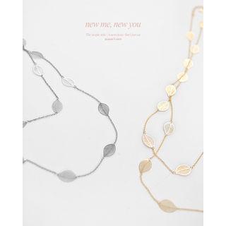 Leaf-motif Long Chain Necklace