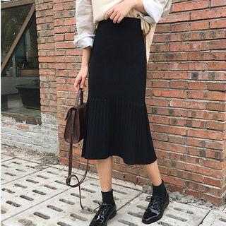 Accordion Pleat Panel Knit Skirt