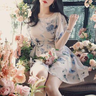 Short-sleeve Waist-tied Chiffon Dress