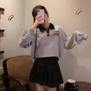 Polo-neck Sweatshirt / Pleated A-line Skirt