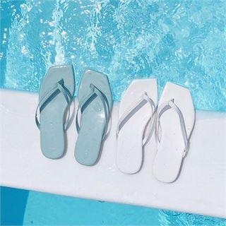 Square-toe Patent Flip-flops