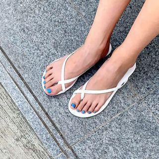 Toe-loop Pleather Flip-flops
