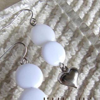 White Sweet Heart Earrings
