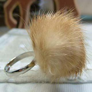 Little Faux-fur Ring (brown)