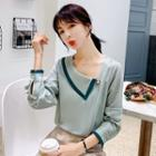 Contrast Color Single Collar Blouse