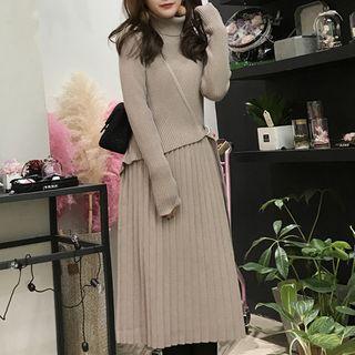Turtleneck Long-sleeve Pleated Midi A-line Dress