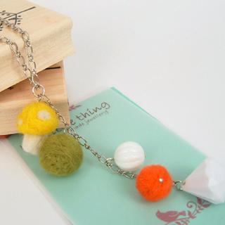 Sweet Felt Mushroom Ball Ball Necklace(yellow)