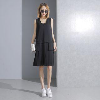 Pleated Chiffon-hem V-neck Sleeveless Dress