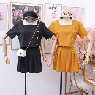 Set: Square-neck Crop Blouse + Pleated Dress Shorts
